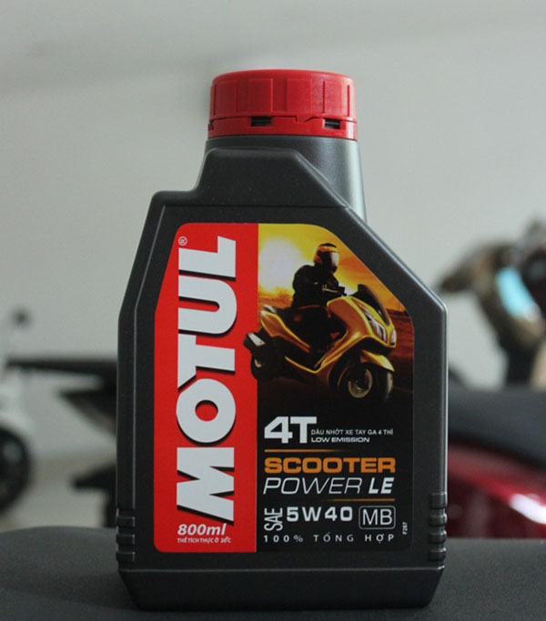 dau-nhot-Motul-Scooter-Power-LE